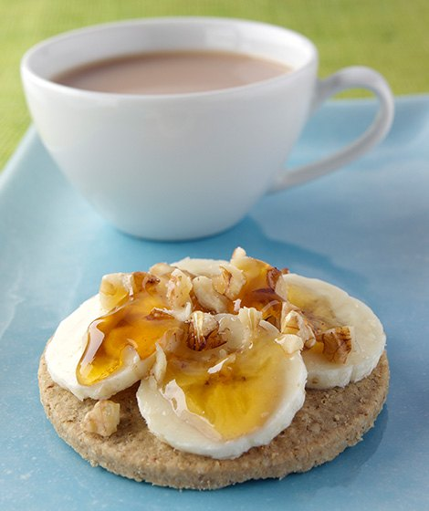 Oatcakes with Banana, Walnut & Honey